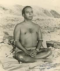The great Swami Paramahamsa Yogananda entered samadhi at will.  His body did not decompose at death.