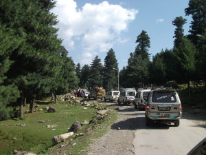04 A caravan of Jeeps carry pilgrims from Srinagar to Pahalgam